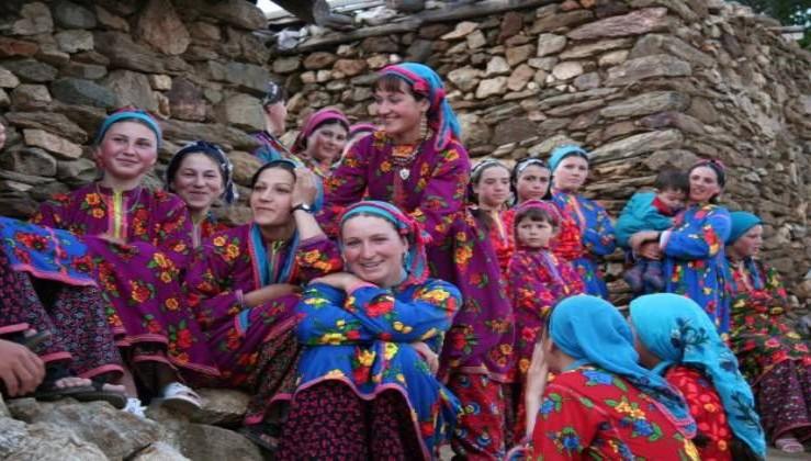 Makedonya'nın RADOVİȘ bölgesinde yaşayan Yörük Türkmenler