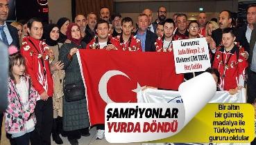 Türkiye'nin gururları! Down Sendromlular Dünya Judo Şampiyonları yurda döndü.