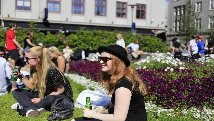 أسرع طريقة للزواج من فتاة آيسلندية والانتقال إلى أيسلندا