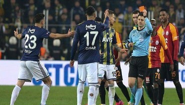 Son dakika: Galatasaray'dan Fenerbahçe derbisiyle ilgili sert açıklama