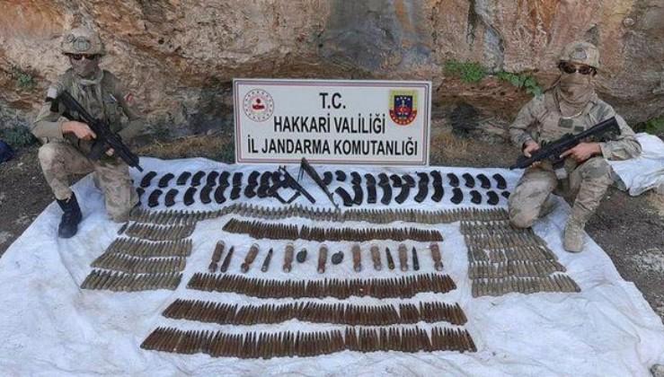 Hakkari'de bölücü terör örgütü PKK'ya operasyon! Büyük miktarda silah ve mühimmat ele geçirildi
