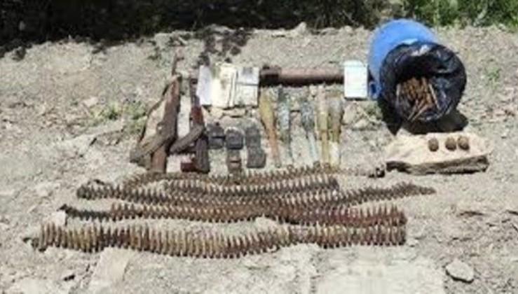 Son dakika: Hakkari'de, PKK'lı teröristlere ait silah ve mühimmat ele geçirildi