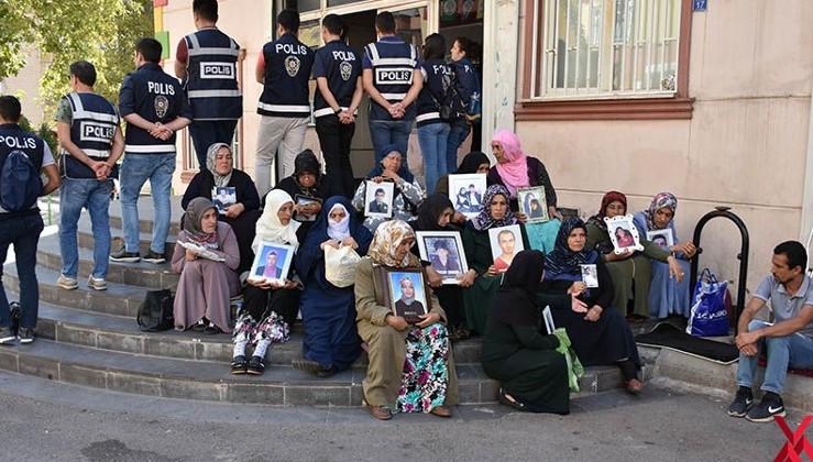Diyarbakır annesi: Bu HDP'nin bir tane belediyesini bırakmasınlar