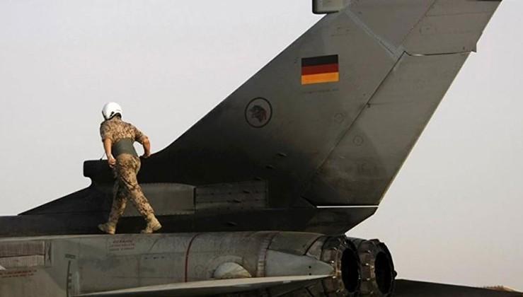 Almanya: AB vatandaşlarını askere alma konusunu inceliyoruz
