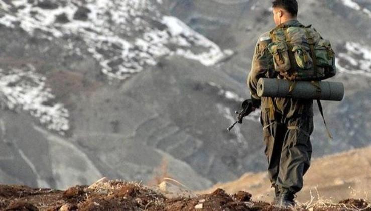 Son dakika: Hakkari'de PKK'lı teröristlere ait patlayıcı ve mühimmat ele geçirildi