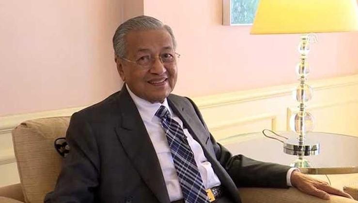 Mahathir: Müslümanlar olarak dünyanın saygısını kaybettik