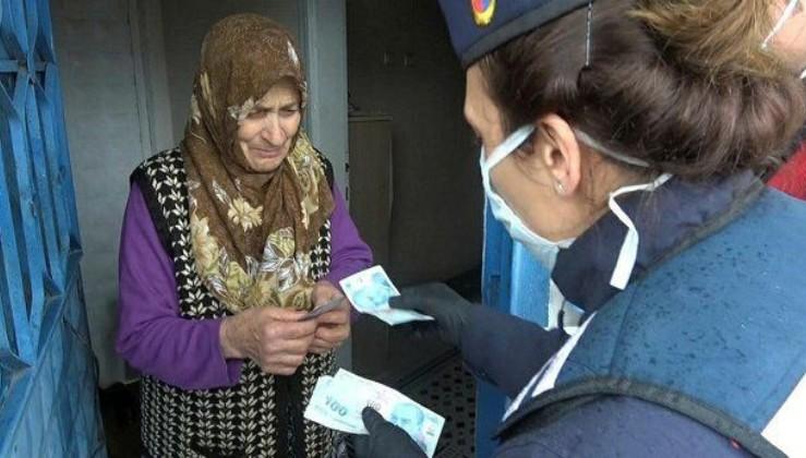 Son dakika: İstanbul'daki 120 bin 727 aileye sosyal yardım ve maaşları teslim edildi.