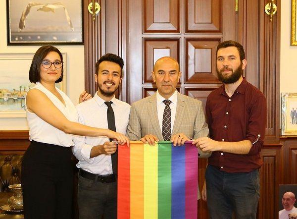 """Tunç Soyer açıkladı: """"LGBTİ+'ların daha huzurlu ve mutlu yaşaması için elimden geleni yapacağım"""""""