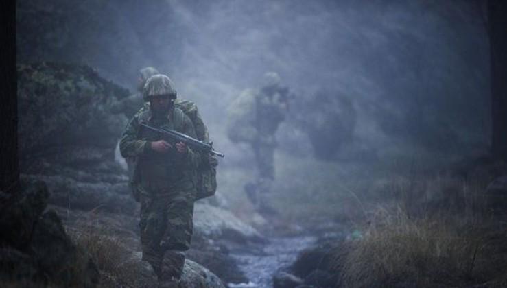 Son dakika: Biri gri kategoride aranan 4 PKK'lı terörist güvenlik güçlerine teslim oldu.