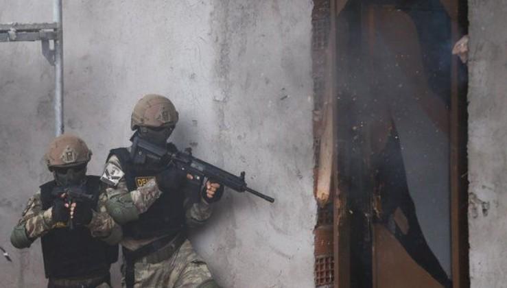 Son dakika: Mardin'in Derik ilçesinde 1 terörist sağ olarak yakalandı