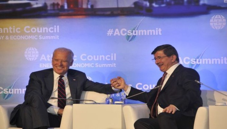 Ahmet Davutoğlu 'soykırım yalandır' diyemedi!