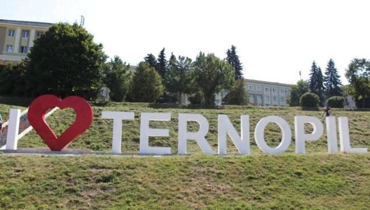 """""""Тернопіль буде чинити опір!"""" - Мер заявив, що місто не хоче дотримуватися обмеження """"червоної"""" зони (відео)"""