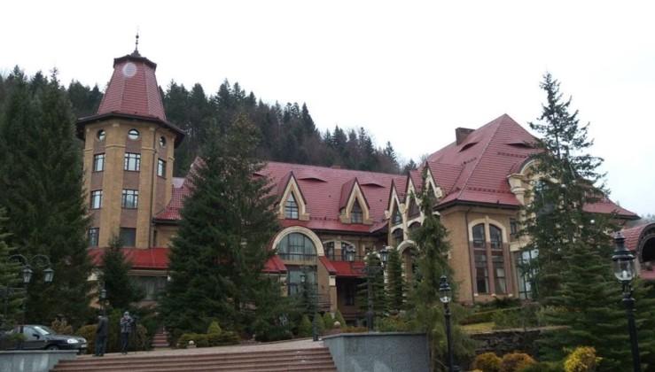 За невеликі гроші в резиденції Зеленського можна провести весільну церемонію (відео)