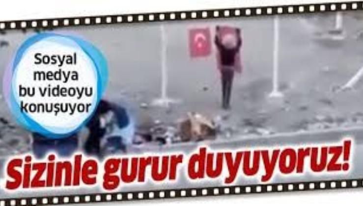 Van'da hurda toplayan küçük kardeşlerin Türk bayrağı sevgisi sosyal medyada gündem oldu