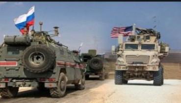 Терміново! У Сирії військовий БТР США пішов на таран російського патруля, скинувши його в кювет, відео