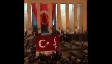 10 Kasım akşamı Türk milletinin kalbi Anıtkabir