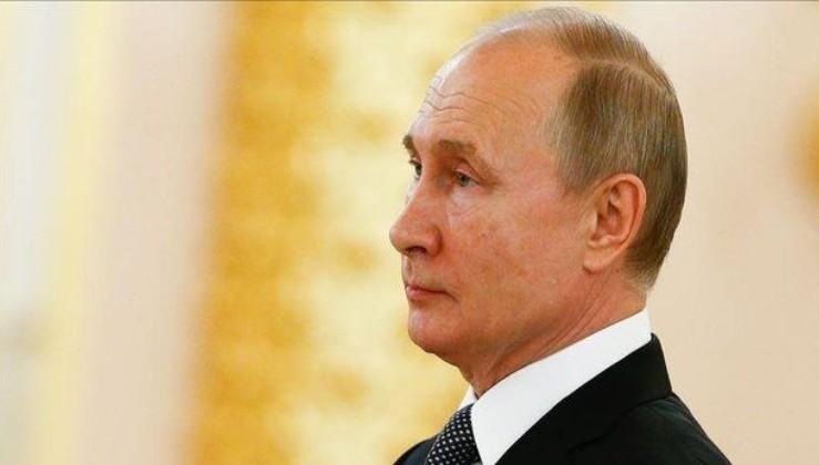 Putin 4 generali görevden aldı.