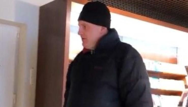 У Києві чоловік напав на працівниць магазину Roshen (спливло відео)