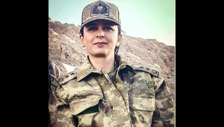 FETÖ'ye boyun eğmeyen Şehit Yarbay Songül Yakut'a saygıyla!