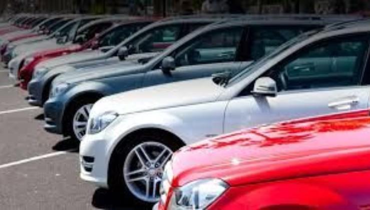 """""""Треба надати додатковий документ"""" - Реєстрація вживаних авто в Україні стане складнішою та дорожчою"""