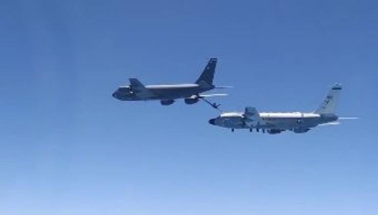 На Росії заявили про перехоплення літаків США над Чорним морем (відео)