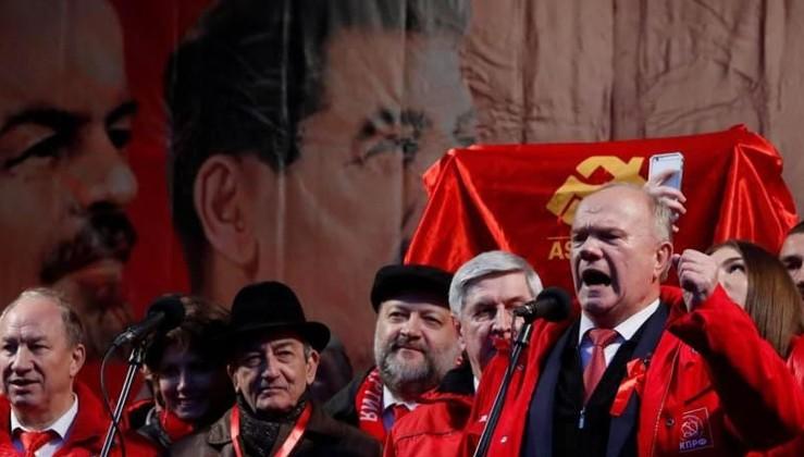 Rus komünistleri Putin'le aynı gemide mi?