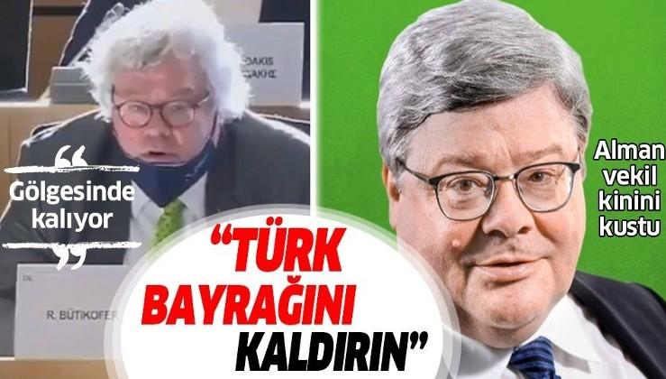 Avrupa Parlamentosu'nda Bakan Çavuşoğlu konuşurken Alman vekil: Türk bayrağını kaldırın