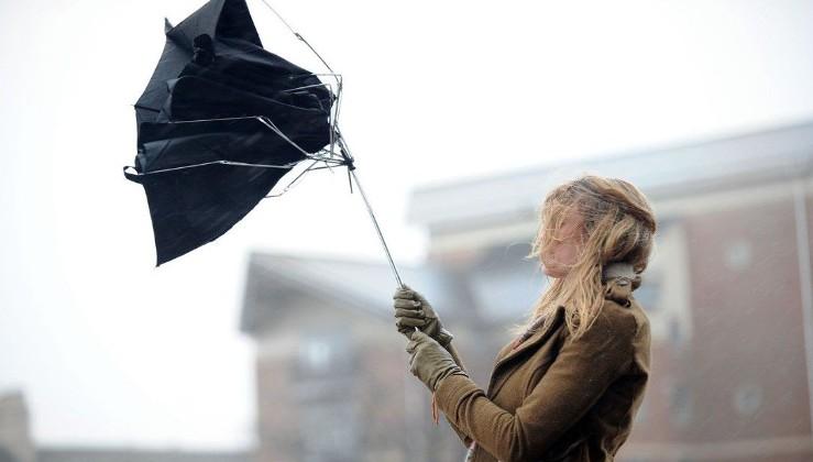 """""""Рятувальники наполегливо радять залишитися вдома!"""" - 24 лютого, Україну накриє справжній скажений ураган"""