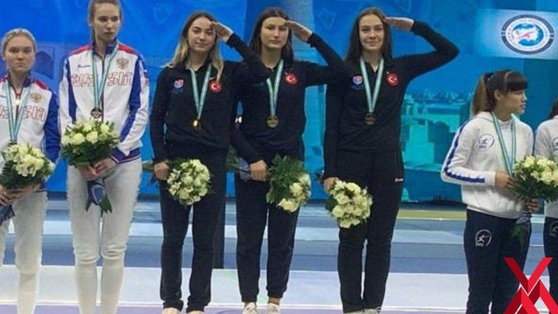 Dünya şampiyonu olup asker selamı verdiler!