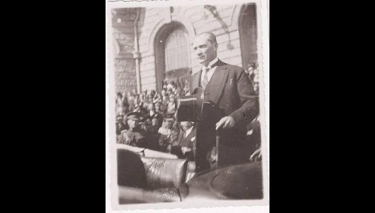 """"""" Dünyada 6 gün süren bir bilimsel kongreyi baştan sona izleyen tek devlet başkanı Atatürk'tür"""""""