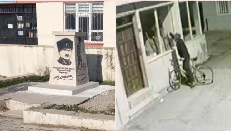 Atatürk düşmanlığının böylesi!