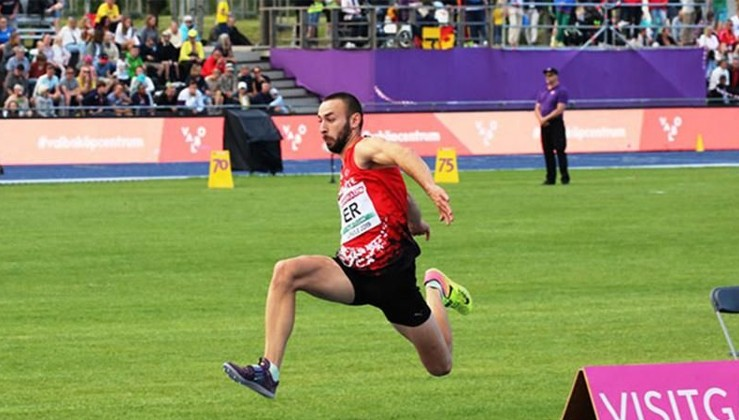 Milli atlet rekorları altüst etti