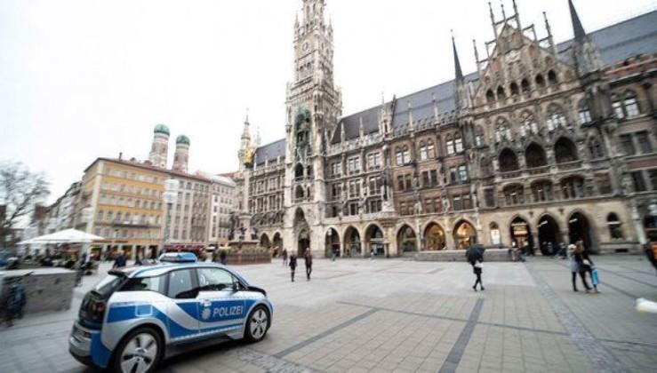 Almanya sokağa çıkma yasağını tartışıyor