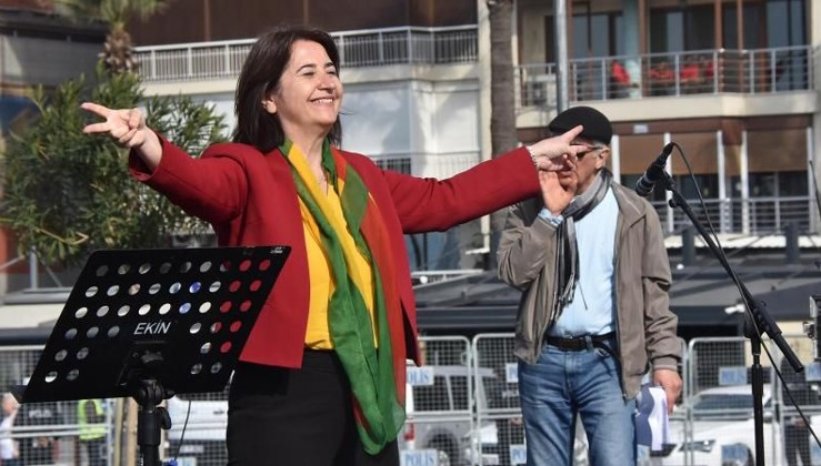 HDP'li vekillere 'Sayın Öcalan'dan suç duyurusu
