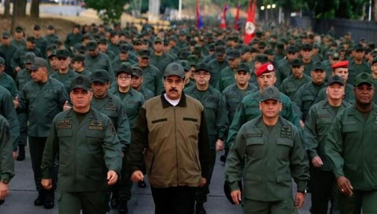 Maduro: Kesilmesi gereken kafaları keseceğiz!