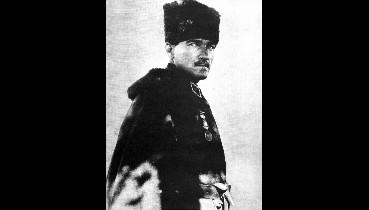 """Atatürk: """"Bilmiyorlar ki biz memleketi kurtarmak için icabında padişahın da, halifenin de,"""
