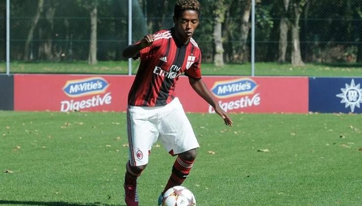 İtalya'da futbolcu Seid Visin ırkçılık yüzünden intihar etti