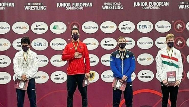 Milli güreşçi Polat Polatçı'dan Avrupa Gençler Güreş Şampiyonası'nda altın madalya!