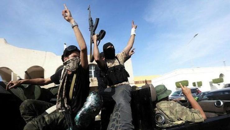 Son dakika: Libya'da UMH askeri birlikleri Hafter'in kontrolündeki Terhune kenti merkezine doğru ilerliyor