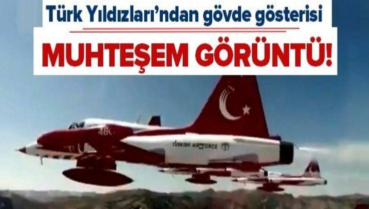 Türk Yıldızları Akrobasi Timi'nden Büyük Taarruzun 98'inci yılında gövde gösterisi