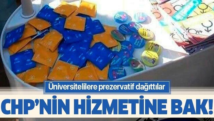 Mersin Büyükşehir Belediyesi üniversitelilere prezervatif dağıttı.