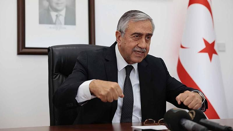 Kıbrıs'ta 'iki devletli' çözüm halkı aldatmakmış!