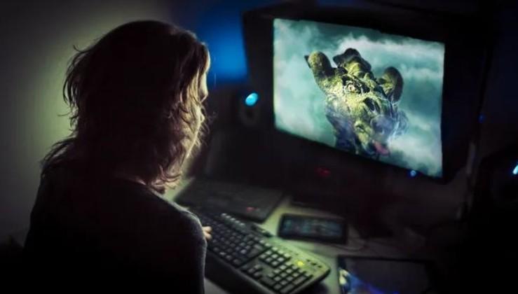 Bilgisayar oyunu yüzünden 9 yaşındaki kardeşini öldürdü...