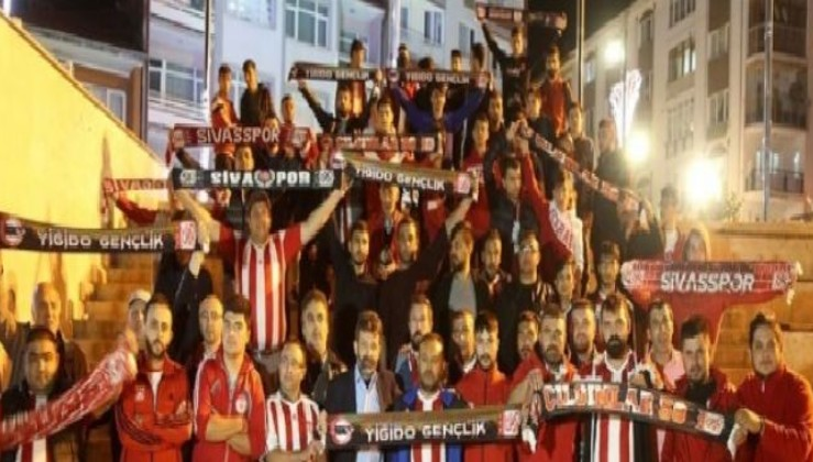 Sivasspor taraftarlarından hakem tepkisi