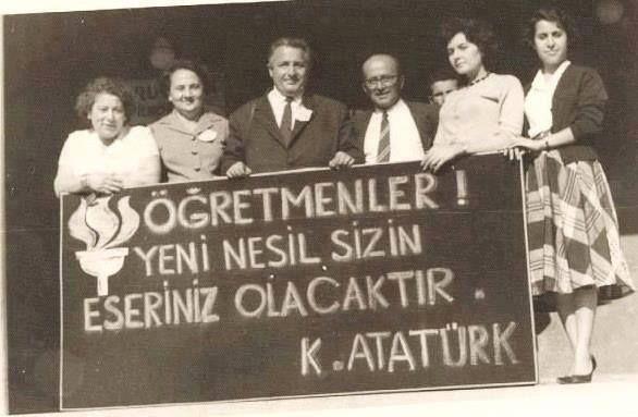 24 Kasım Öğretmenler günü. Baş öğretmen GMK Atatürk...