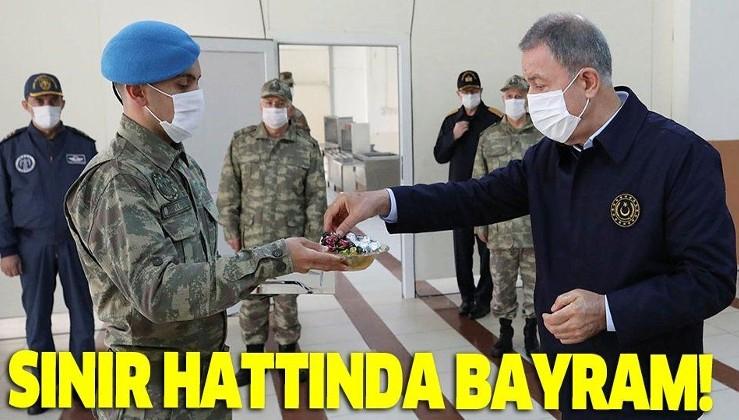 Milli Savunma Bakanı Hulusi Akar ve TSK'nın komuta kademesinden sınır hattında Ramazan Bayramı