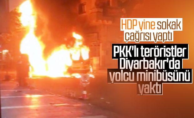 Diyarbakır'da PKK'lılar yolcu minibüsünü yaktı