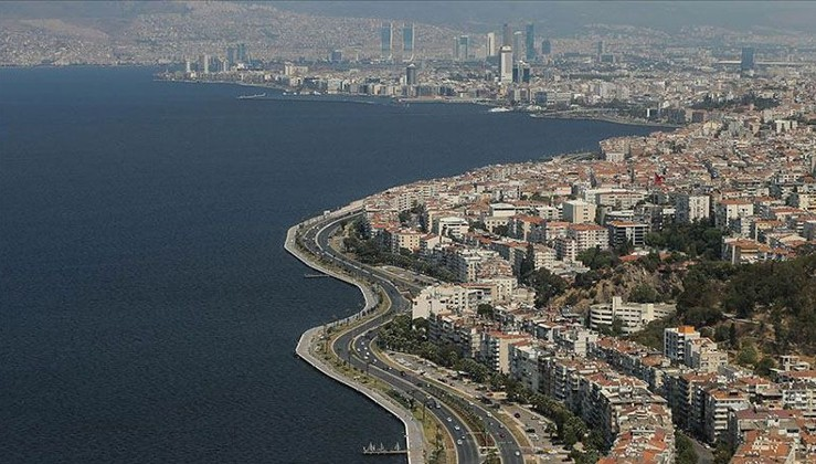 İzmir için korkutan deprem uyarısı: 70 bin bina yıkılır!