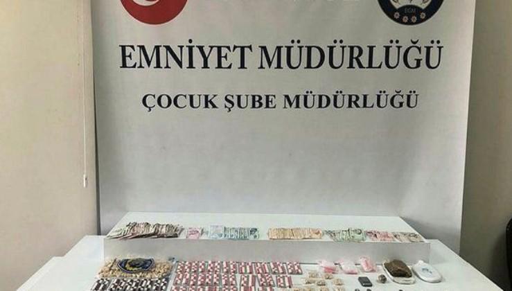İstanbul'da çocuklara uyuşturucu sattıkları öne sürülen 5 şüpheli tutuklandı