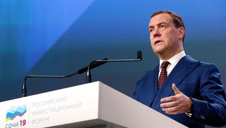 Medvedev: ABD'nin yeni yaptırım girişimleri şizofrence